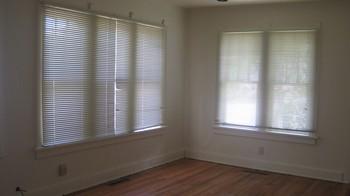 LivingroomBefore.JPG (Md:350x196)
